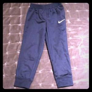 Nike athletic pants 4